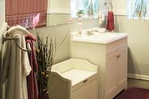 Oversize towels, bath tub & shower.