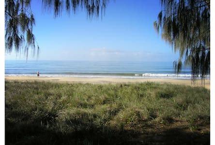 Woodgate Beach Apartment - Woodgate