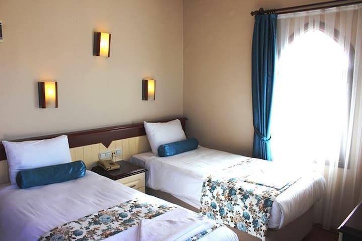 Eroglu City Otel Twin Beds