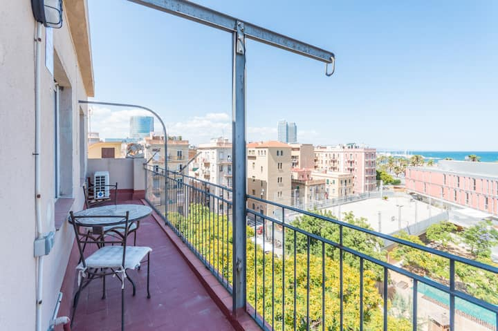 Front sea apartment Barceloneta