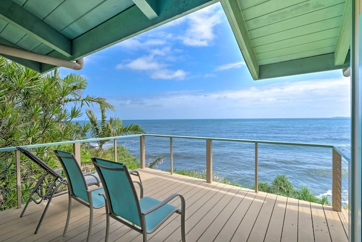Hilo Home w/Furnished Balcony Stunning Ocean Views