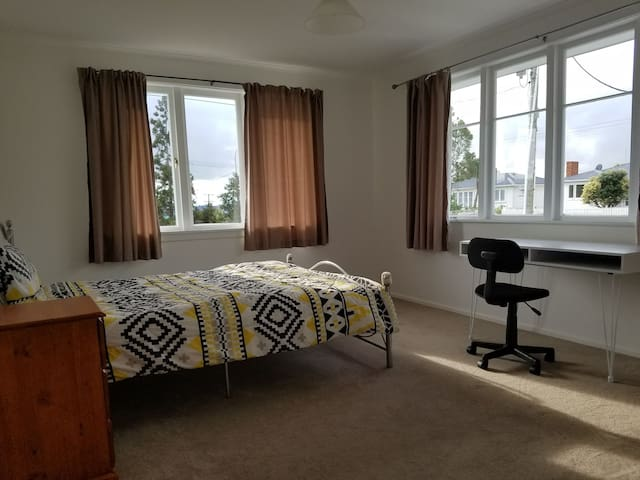 New large room,new carpet new furniture,free WIFI