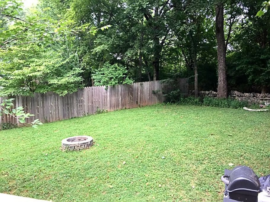 Gorgeous Yard, Fire Pit, Gas Grill