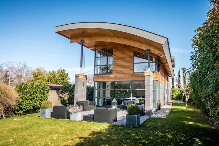 Villa d'architecte, 230m2, Evian, 5 chambres,