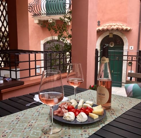 Peaceful Holiday in the Heart of Taormina