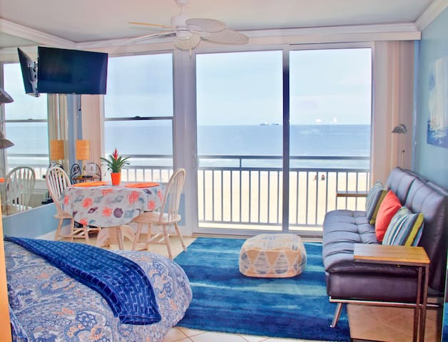 Oceanfront Studio VA Beach Spectacular View!