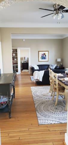 Spacious downtown apartment-Birmingham MI