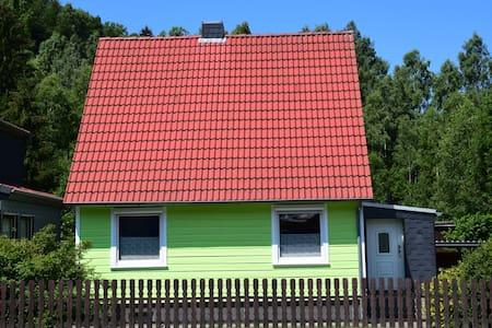 Das Haus am Fluss (10 % Rabatt ab einer Woche)