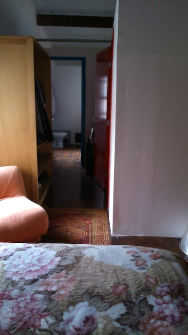 Corredor e Banheiro do quarto de casal