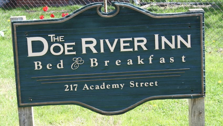 Doe River Inn - Elizabethton Tennesee - Built