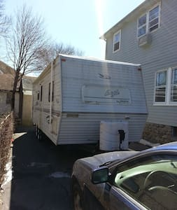 Camper Rental with owner hauling - Waterbury - Camper/RV