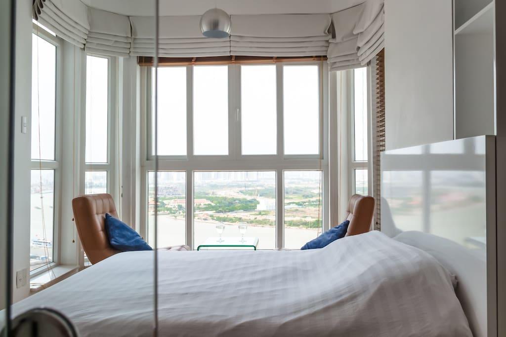 Sunroom ft Second bedroom - king sized