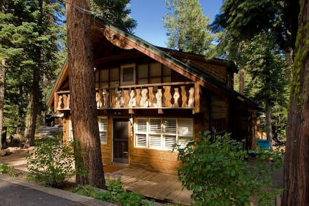 Cute Tahoe City Ski Lease Cabin - House