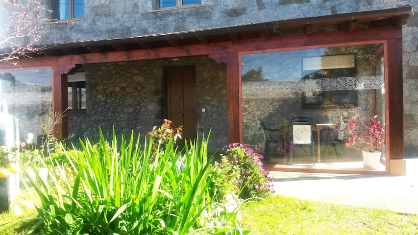 Casa de Piedra con Jardín/ Charming Stone House - Noja - Haus