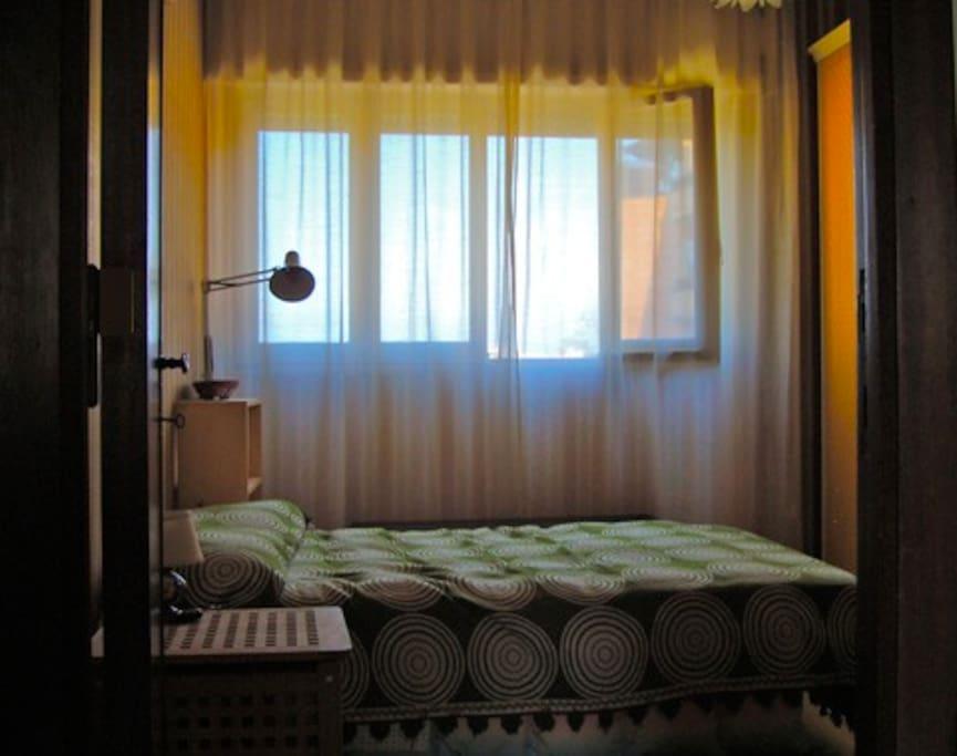 la 1 stanza da letto in un'altra angolazione