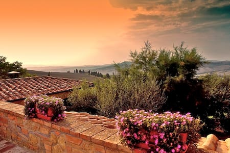 Typical Villa for 8 stunning view - Pienza - Villa