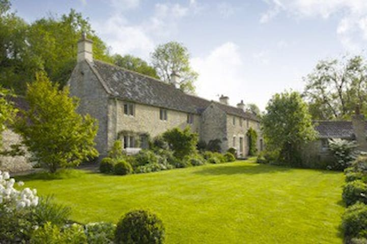 Brook Cottage- only 5 day+ Xmas/ NY - West Kington - Huis