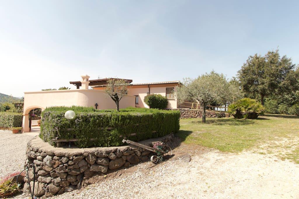 Villa en campagne avec jardin et potager maisons louer for Jardin potager a louer 78