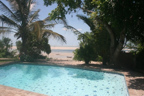 Коттедж на пляже Bom Dia Vilankulo