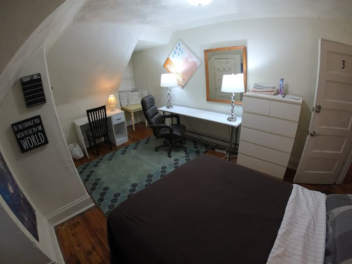 Private Bedroom with Full Bed in Highland Park #3