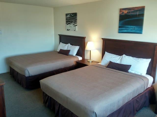 Double Queen Room @ Silver Sands