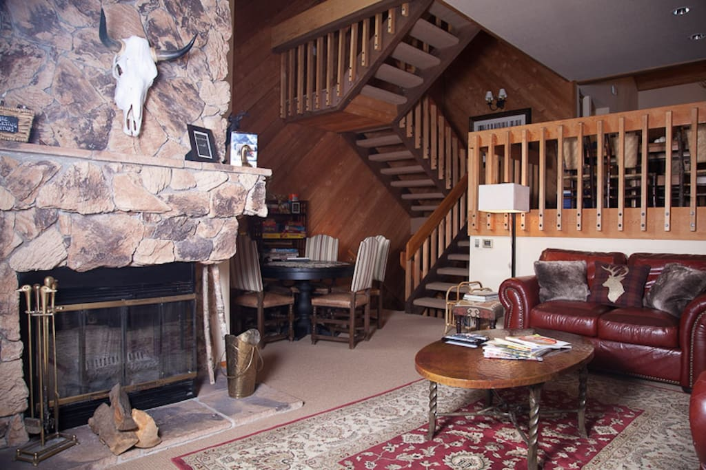 Spacious multi-level townhouse!  Comfy, cozy and feels like a mountain lodge!
