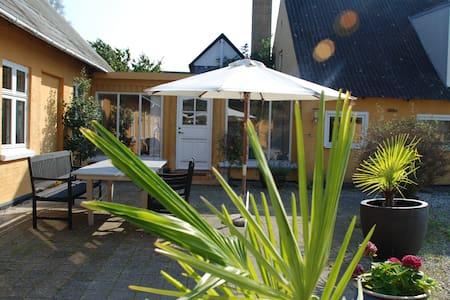 Værelser i landsby idyl - Rooms in the countryside - Kerteminde - Bed & Breakfast