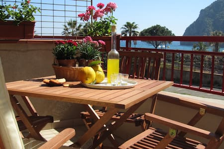 ComeinSicily Cozy Central Beachfron - Sant'Alessio Siculo - Apartment