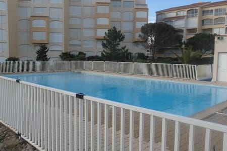 studio avec piscine direct plage  - port leucate  - Apartament