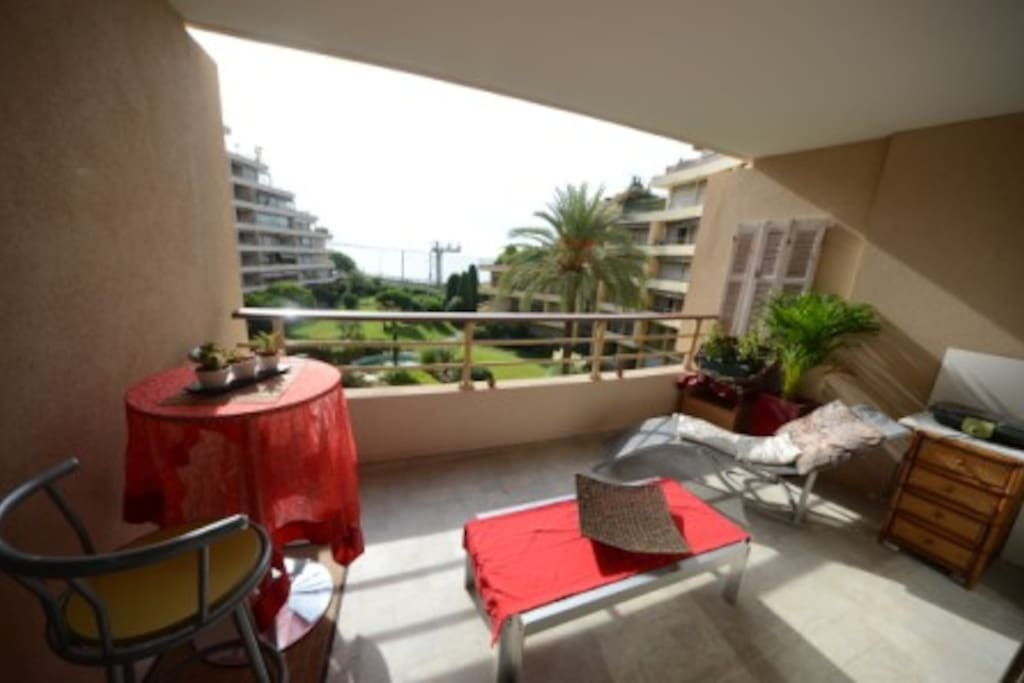 1 Bedroom in apartment in front sea