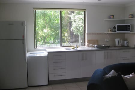 Charming Whitsunday Studio Unit - Cannonvale