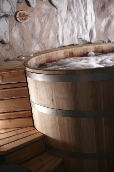 Special whirlpool made of larch wood