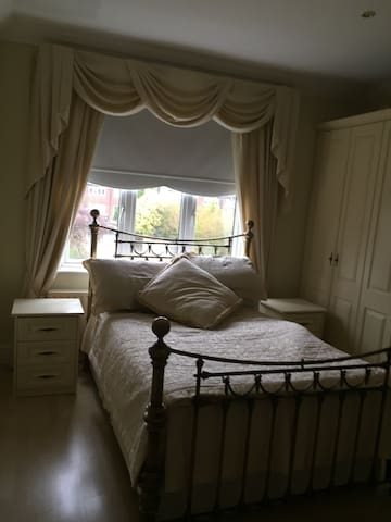 Charming Detached house Room 1
