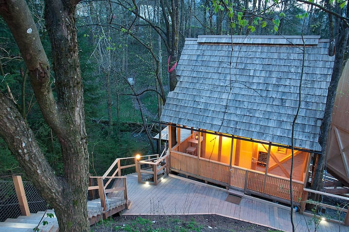 Garden Village Resort - TREE HOUSES - Блед - Домик на дереве