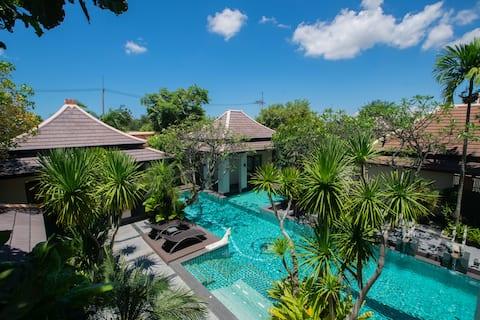 Luxury Pool Villa, 6bedrooms,Private  housekeeper