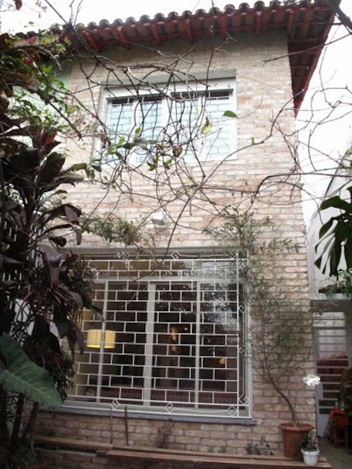 A comfortable townhouse on a great location in SP