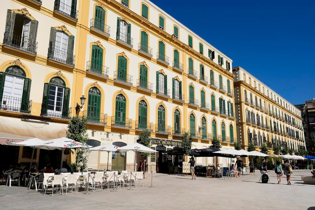 Cheap Rooms On The Plaza Merced A Apartments For Rent In M 225 Laga Andalusia Spain