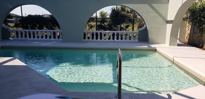 Guest Suite With Pool Near Sponge Docks & Beach
