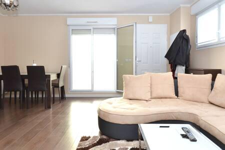 Appartment 3 pièces, 2 chambres à 10 minutes Paris - Stains - Apartment