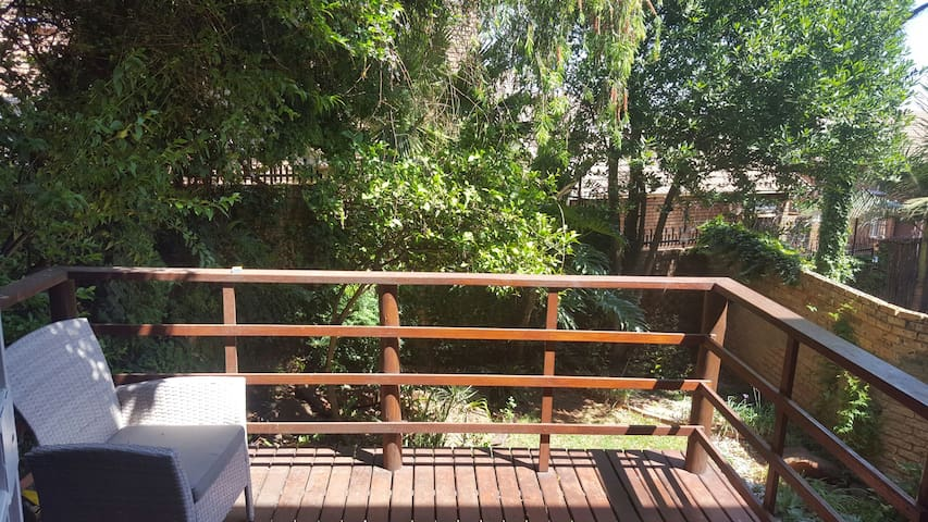 Lovely open plan Duplex, with garden