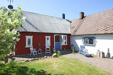 Charming summer house in Båstad   - Båstad - Huis
