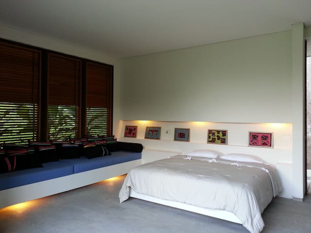 Cama King Size y 2 day beds