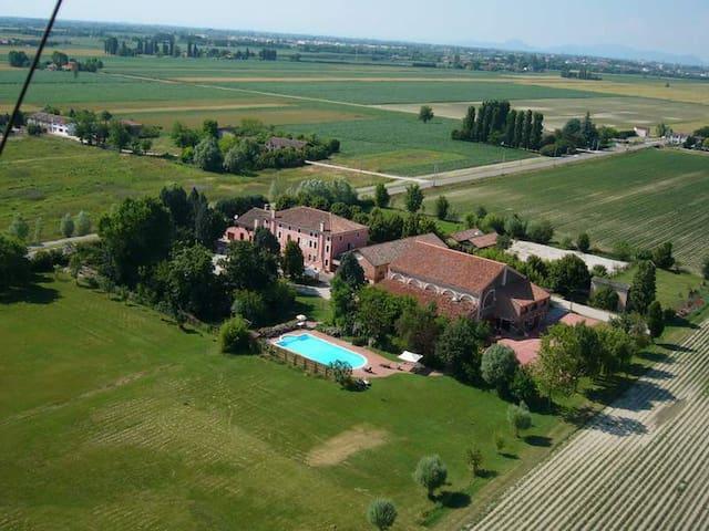 """Farmhouse """"Villa Grimani"""" Salariati - Pontecchio Polesine - Apartment"""