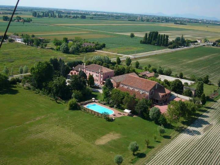 """Farmhouse """"Villa Grimani"""" Salariati"""