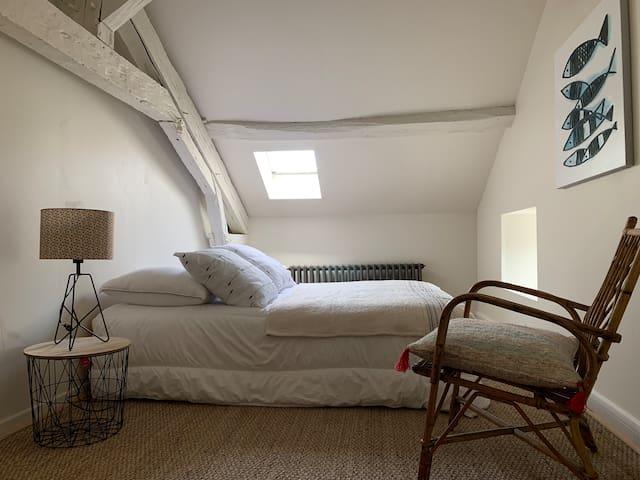 Chambre 2 à l'étage de la maison