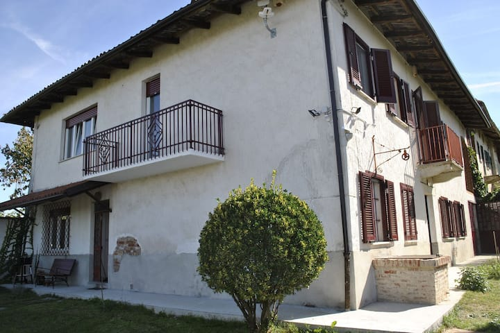 Cushy Holiday Home in Moncucco Torinese with Garden
