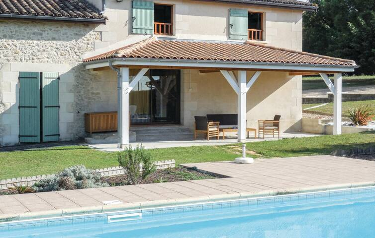Holiday cottage with 3 bedrooms on 100m² in Ste Gemme