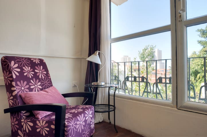 Neve Tzedek, Charming 1br apt with Garden View