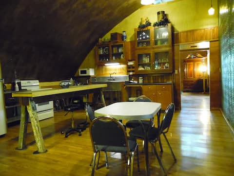 Irving's Thrival Cabin