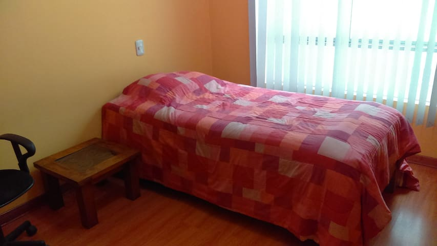 Bedroom with private bathroom - Residential Area - Santiago de Surco